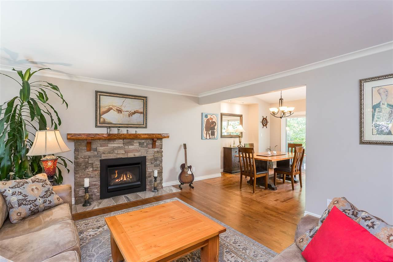 Photo 10: Photos: 34305 LARCH Street in Abbotsford: Abbotsford East House for sale : MLS®# R2457312