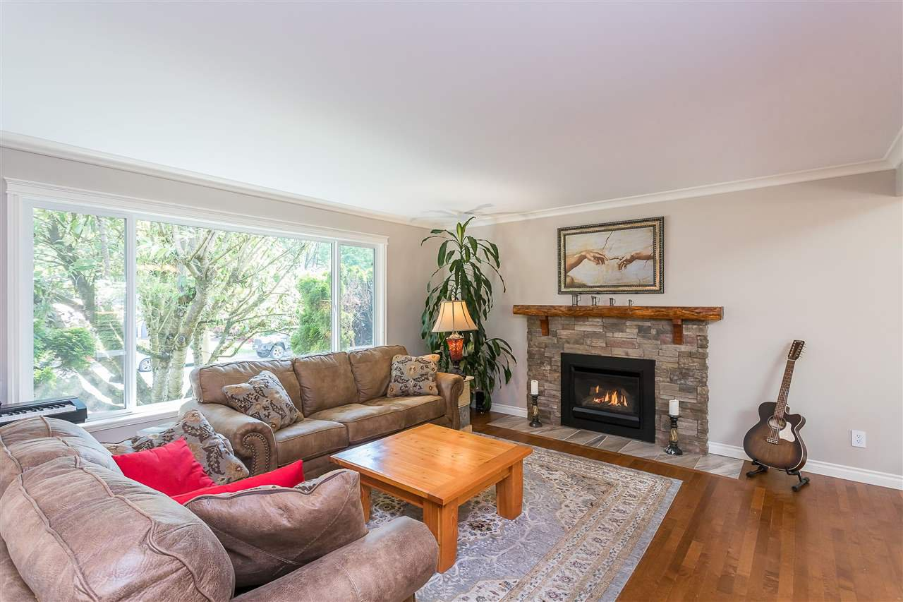 Photo 9: Photos: 34305 LARCH Street in Abbotsford: Abbotsford East House for sale : MLS®# R2457312