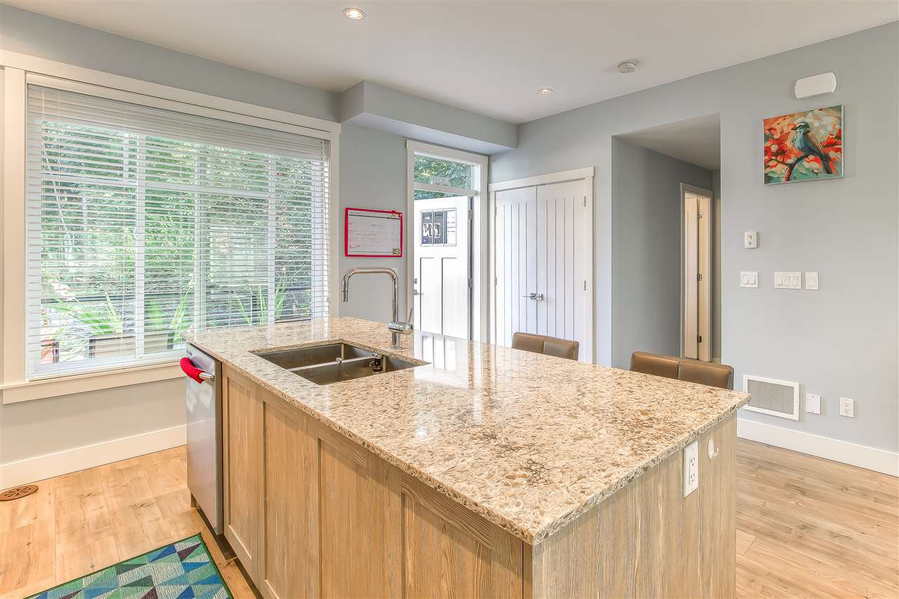 """Photo 8: Photos: 52 11188 72 Avenue in Delta: Sunshine Hills Woods Townhouse for sale in """"CHELSEA GATE - Sunshine Heights"""" (N. Delta)  : MLS®# R2483104"""