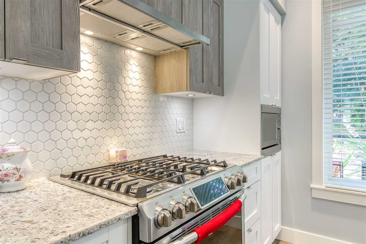 """Photo 11: Photos: 52 11188 72 Avenue in Delta: Sunshine Hills Woods Townhouse for sale in """"CHELSEA GATE - Sunshine Heights"""" (N. Delta)  : MLS®# R2483104"""