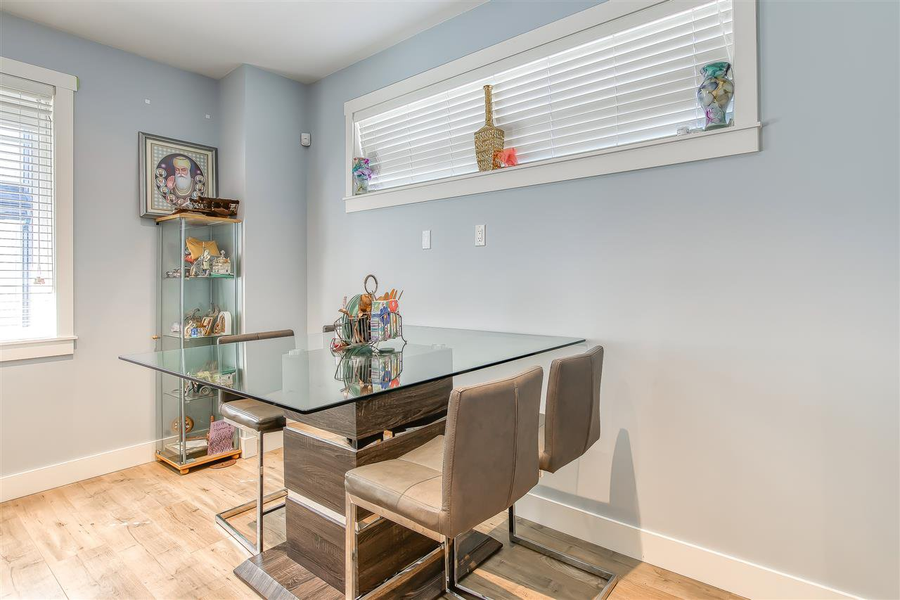 """Photo 6: Photos: 52 11188 72 Avenue in Delta: Sunshine Hills Woods Townhouse for sale in """"CHELSEA GATE - Sunshine Heights"""" (N. Delta)  : MLS®# R2483104"""