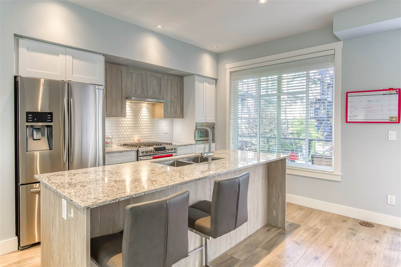 """Photo 9: Photos: 52 11188 72 Avenue in Delta: Sunshine Hills Woods Townhouse for sale in """"CHELSEA GATE - Sunshine Heights"""" (N. Delta)  : MLS®# R2483104"""