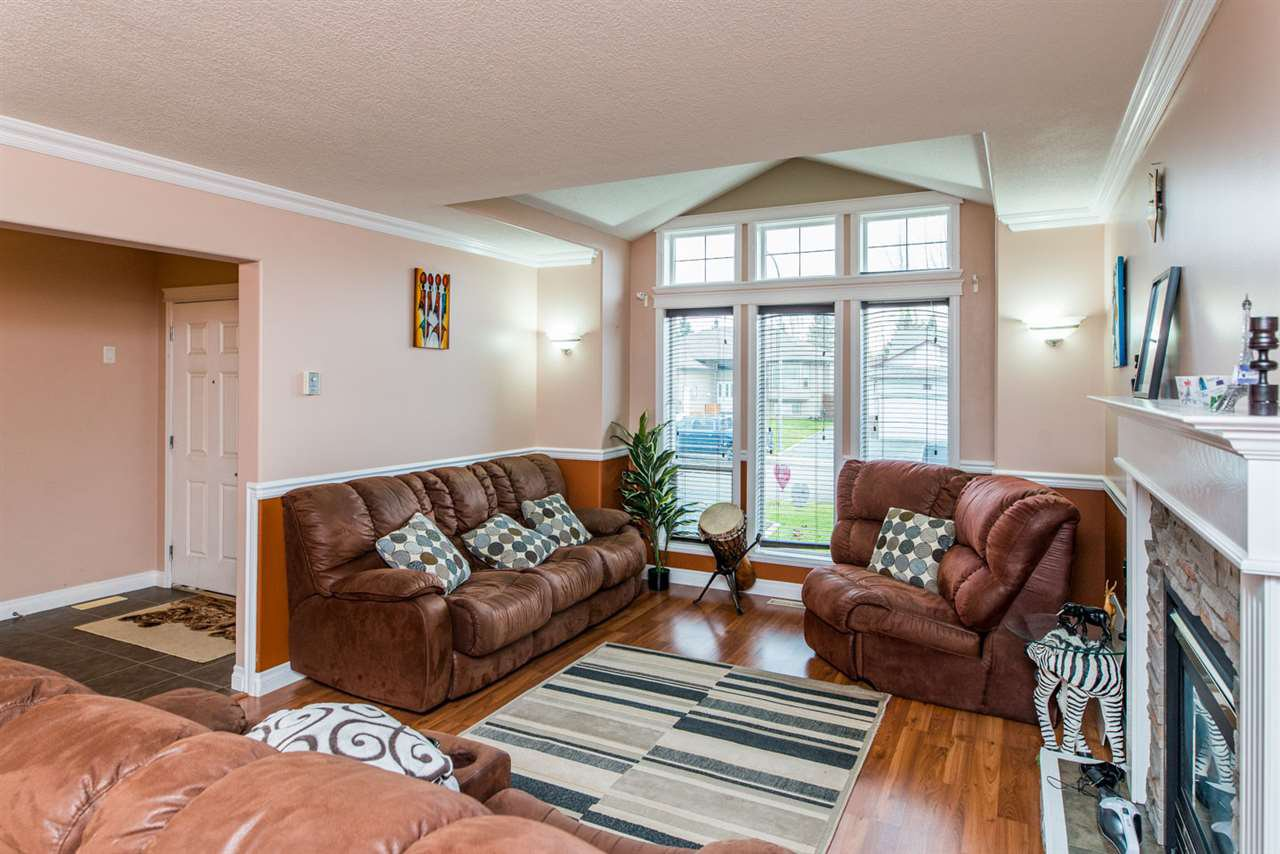 """Photo 3: Photos: 6898 EUGENE Road in Prince George: Lafreniere House for sale in """"EUGENE RD / WESTGATE"""" (PG City South (Zone 74))  : MLS®# R2514464"""