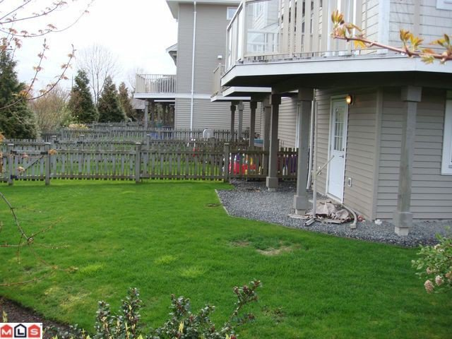 "Photo 2: Photos: 54 15155 62A Avenue in Surrey: Sullivan Station Townhouse for sale in ""Oaklands by Polygon"" : MLS®# F1111627"