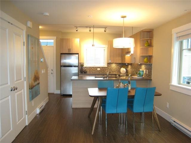 Photo 6: Photos: 110 7168 STRIDE Avenue in Burnaby: Edmonds BE Condo for sale (Burnaby East)  : MLS®# V1002925