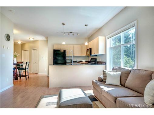 Main Photo: 301 821 Goldstream Avenue in VICTORIA: La Goldstream Condo Apartment for sale (Langford)  : MLS®# 350075