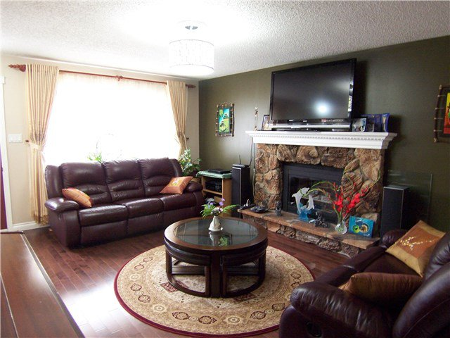 Photo 3: Photos: 2371 SHEARER Crescent in Prince George: Pinewood House for sale (PG City West (Zone 71))  : MLS®# N247619