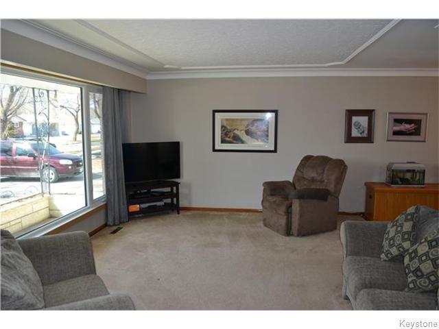 Photo 2: Photos: 585 Hartford Avenue in Winnipeg: West Kildonan / Garden City Residential for sale (North West Winnipeg)  : MLS®# 1606444