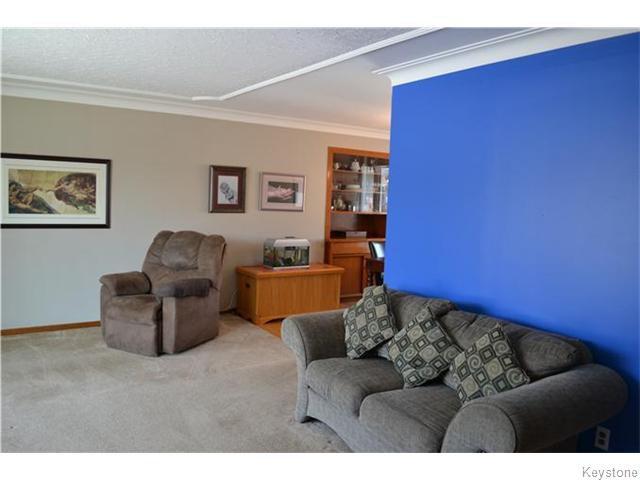 Photo 3: Photos: 585 Hartford Avenue in Winnipeg: West Kildonan / Garden City Residential for sale (North West Winnipeg)  : MLS®# 1606444
