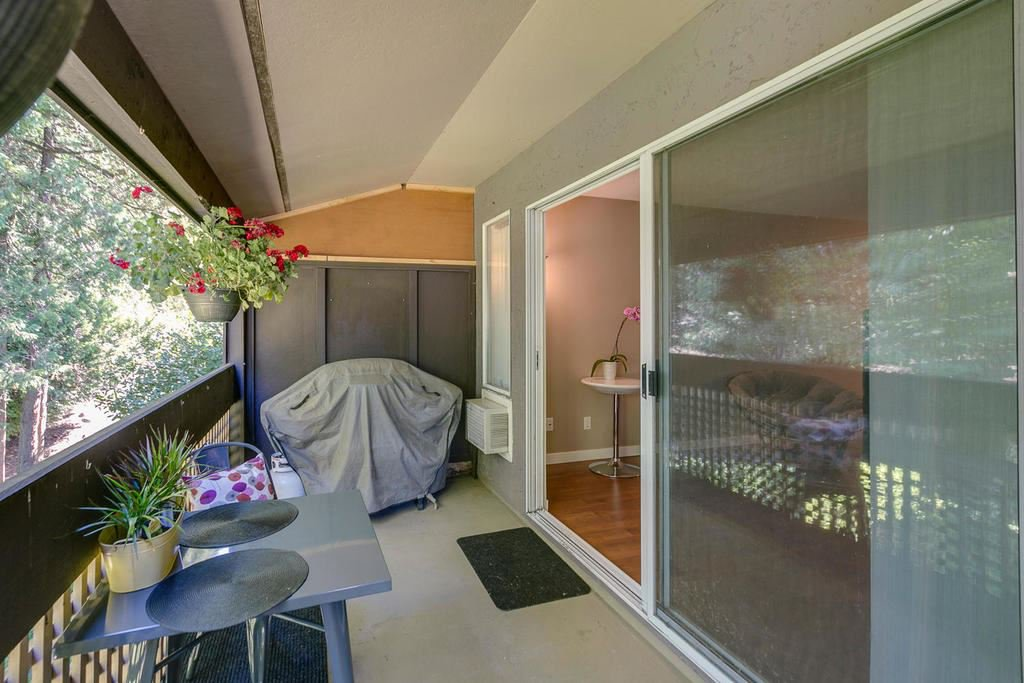 """Photo 15: Photos: 1424 34909 OLD YALE Road in Abbotsford: Abbotsford East Condo for sale in """"THE GARDENS"""" : MLS®# R2109176"""