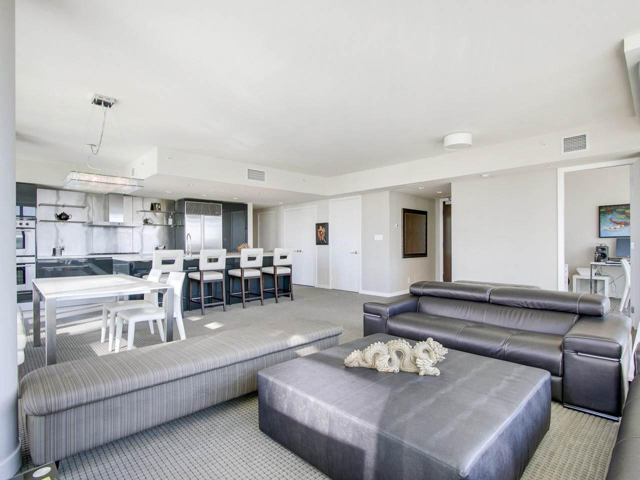 "Photo 3: Photos: 3002 788 RICHARDS Street in Vancouver: Downtown VW Condo for sale in ""L'Hermitage"" (Vancouver West)  : MLS®# R2114561"