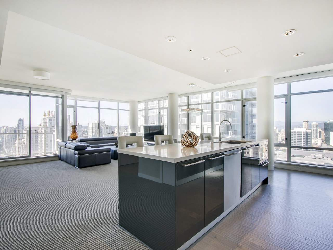 "Photo 5: Photos: 3002 788 RICHARDS Street in Vancouver: Downtown VW Condo for sale in ""L'Hermitage"" (Vancouver West)  : MLS®# R2114561"