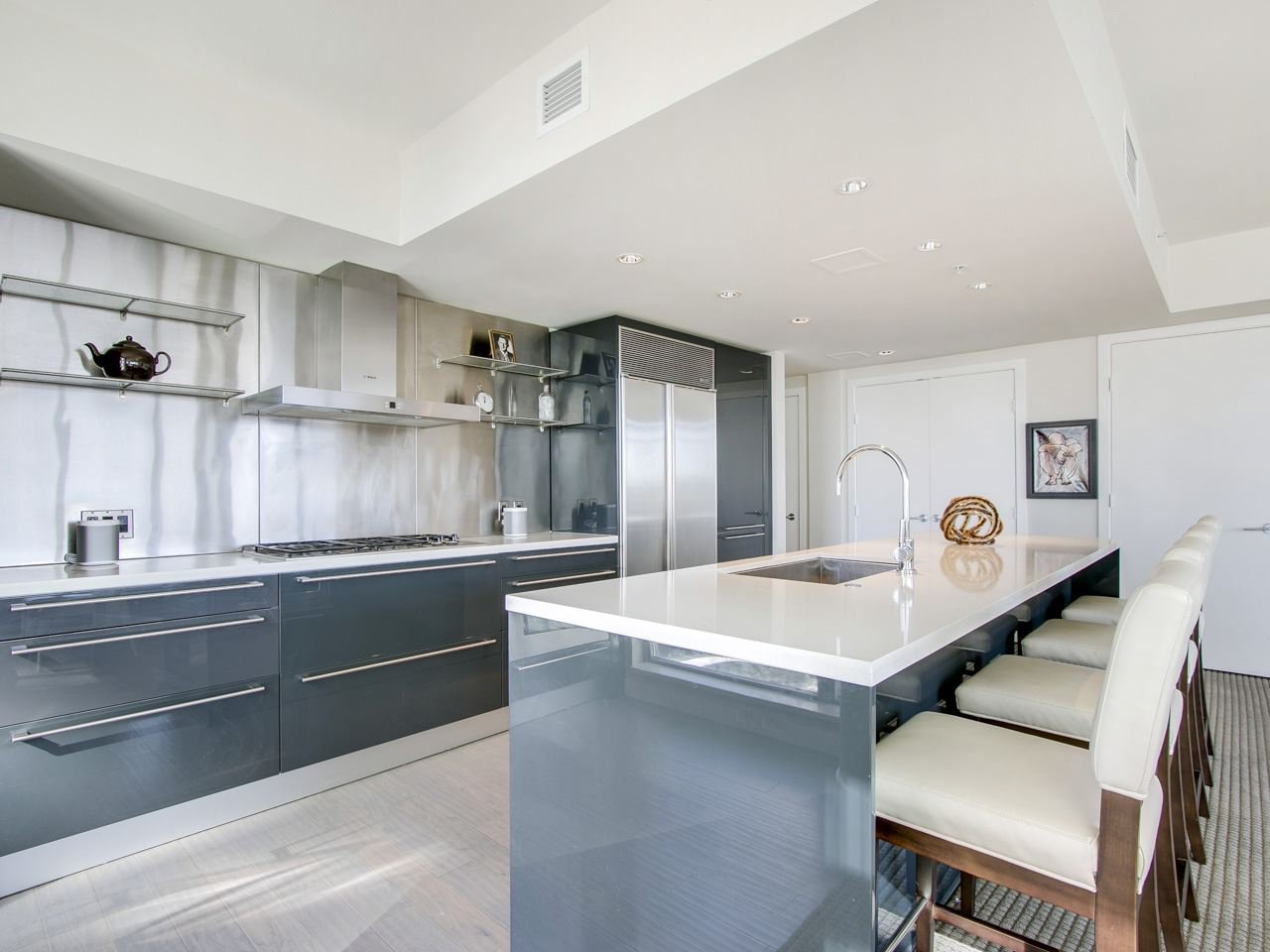 "Photo 4: Photos: 3002 788 RICHARDS Street in Vancouver: Downtown VW Condo for sale in ""L'Hermitage"" (Vancouver West)  : MLS®# R2114561"