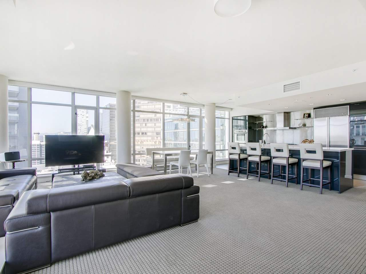 "Photo 2: Photos: 3002 788 RICHARDS Street in Vancouver: Downtown VW Condo for sale in ""L'Hermitage"" (Vancouver West)  : MLS®# R2114561"