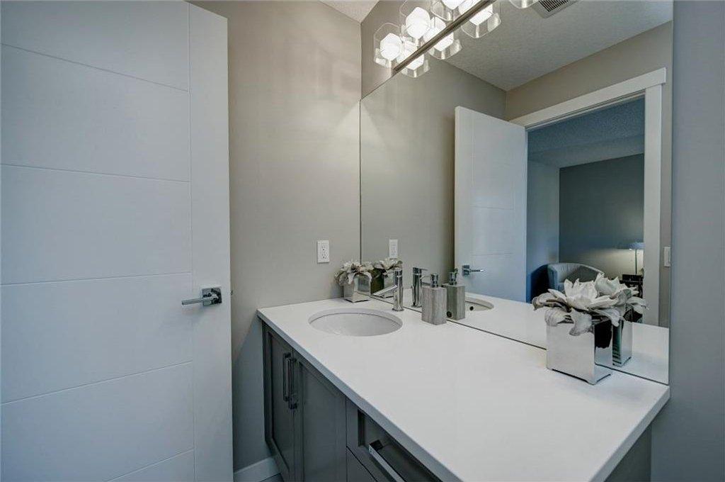 Photo 28: Photos: 210 OAKMOOR Place SW in Calgary: Oakridge House for sale : MLS®# C4111441