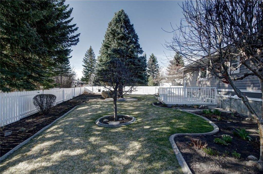 Photo 49: Photos: 210 OAKMOOR Place SW in Calgary: Oakridge House for sale : MLS®# C4111441