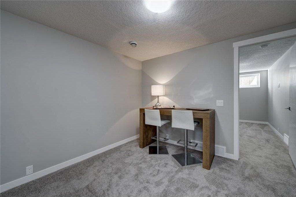 Photo 40: Photos: 210 OAKMOOR Place SW in Calgary: Oakridge House for sale : MLS®# C4111441