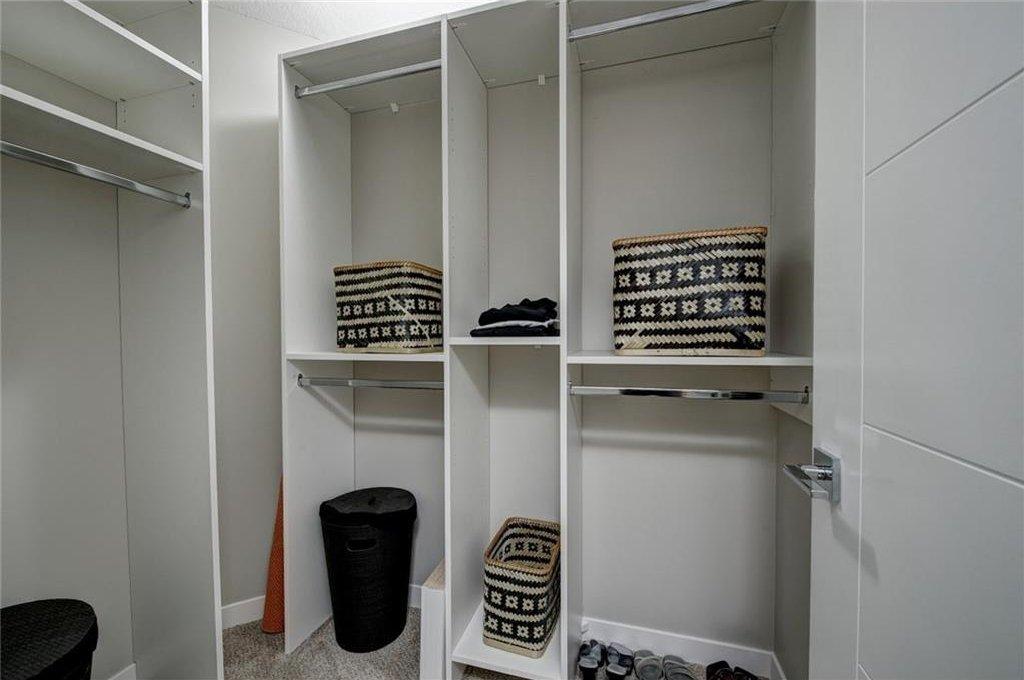 Photo 29: Photos: 210 OAKMOOR Place SW in Calgary: Oakridge House for sale : MLS®# C4111441