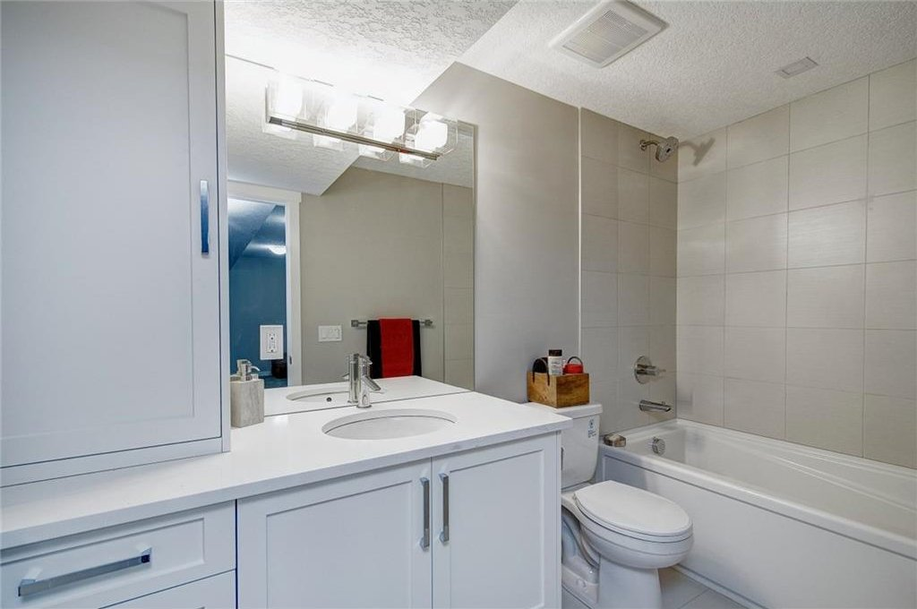 Photo 41: Photos: 210 OAKMOOR Place SW in Calgary: Oakridge House for sale : MLS®# C4111441