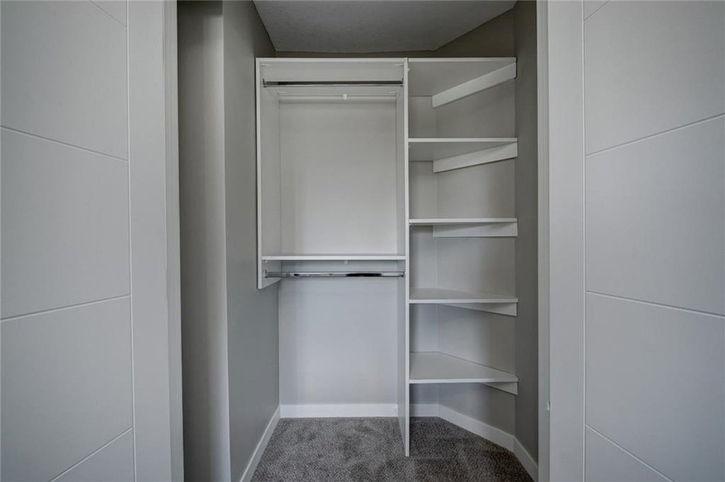 Photo 32: Photos: 210 OAKMOOR Place SW in Calgary: Oakridge House for sale : MLS®# C4111441