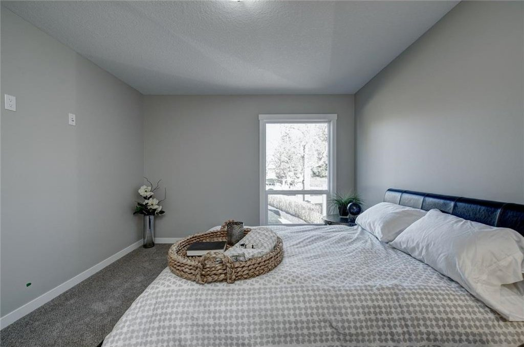 Photo 24: Photos: 210 OAKMOOR Place SW in Calgary: Oakridge House for sale : MLS®# C4111441