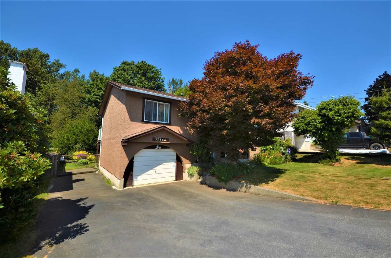Main Photo: 32865 12TH Avenue in Mission: Mission BC House for sale : MLS®# R2190351