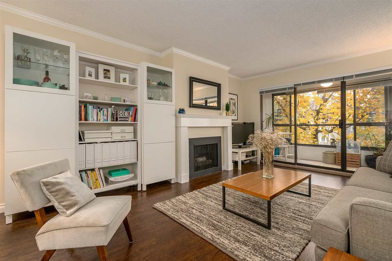 "Main Photo: 317 550 E 6TH Avenue in Vancouver: Mount Pleasant VE Condo for sale in ""LANDMARK GARDENS"" (Vancouver East)  : MLS®# R2222952"