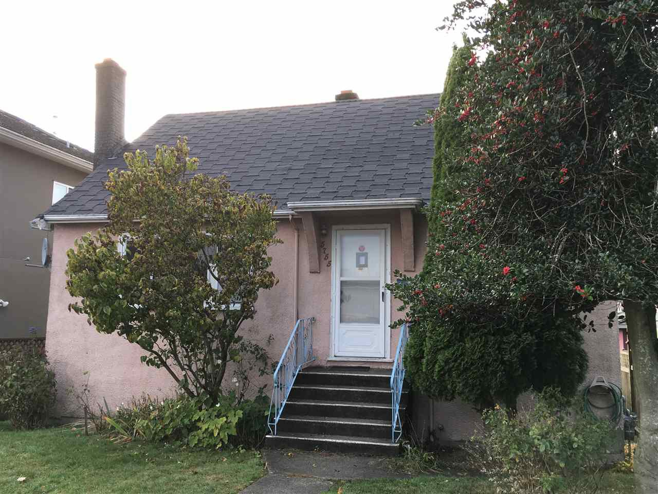 Main Photo: 5755 CLARENDON Street in Vancouver: Killarney VE House for sale (Vancouver East)  : MLS®# R2228966