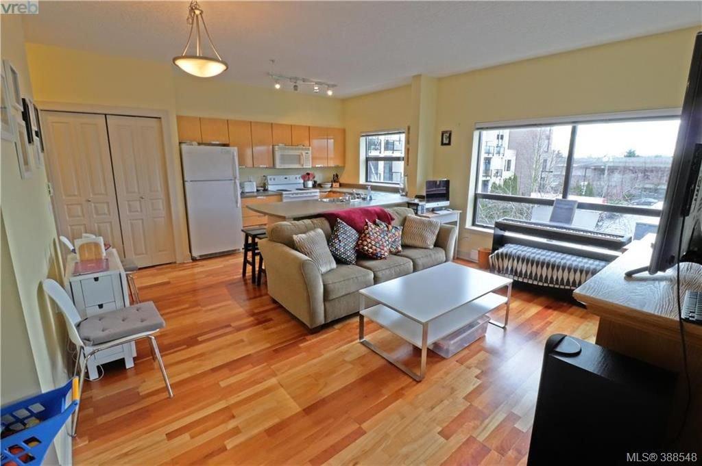 Main Photo: 312 870 Short Street in VICTORIA: SE Quadra Condo Apartment for sale (Saanich East)  : MLS®# 388548