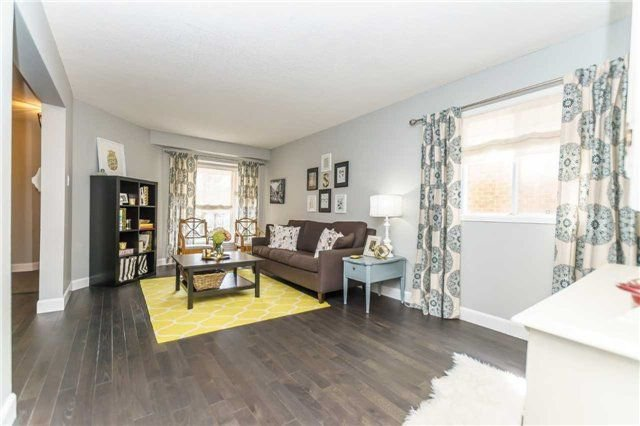 Photo 4: Photos: 10 Vail Meadows Crescent in Clarington: Bowmanville House (2-Storey) for sale : MLS®# E4120484