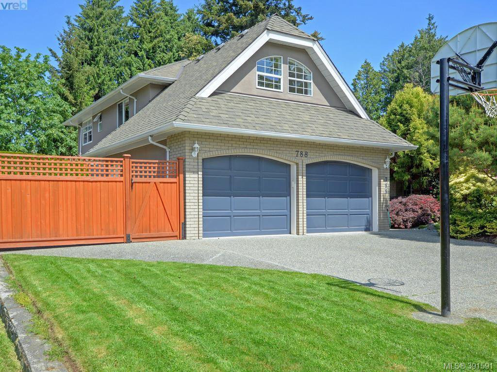 Main Photo: 788 Wesley Court in VICTORIA: SE Cordova Bay Single Family Detached for sale (Saanich East)  : MLS®# 391591