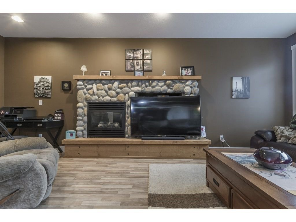 """Photo 6: Photos: 22995 139 Avenue in Maple Ridge: Silver Valley House for sale in """"SILVER RIDGE"""" : MLS®# R2277675"""