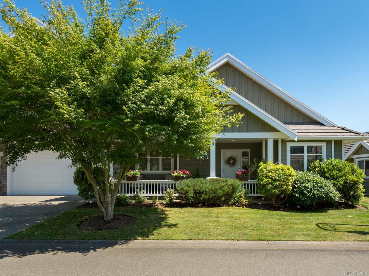 Main Photo: 9 737 Royal Pl in COURTENAY: CV Crown Isle Row/Townhouse for sale (Comox Valley)  : MLS®# 793870