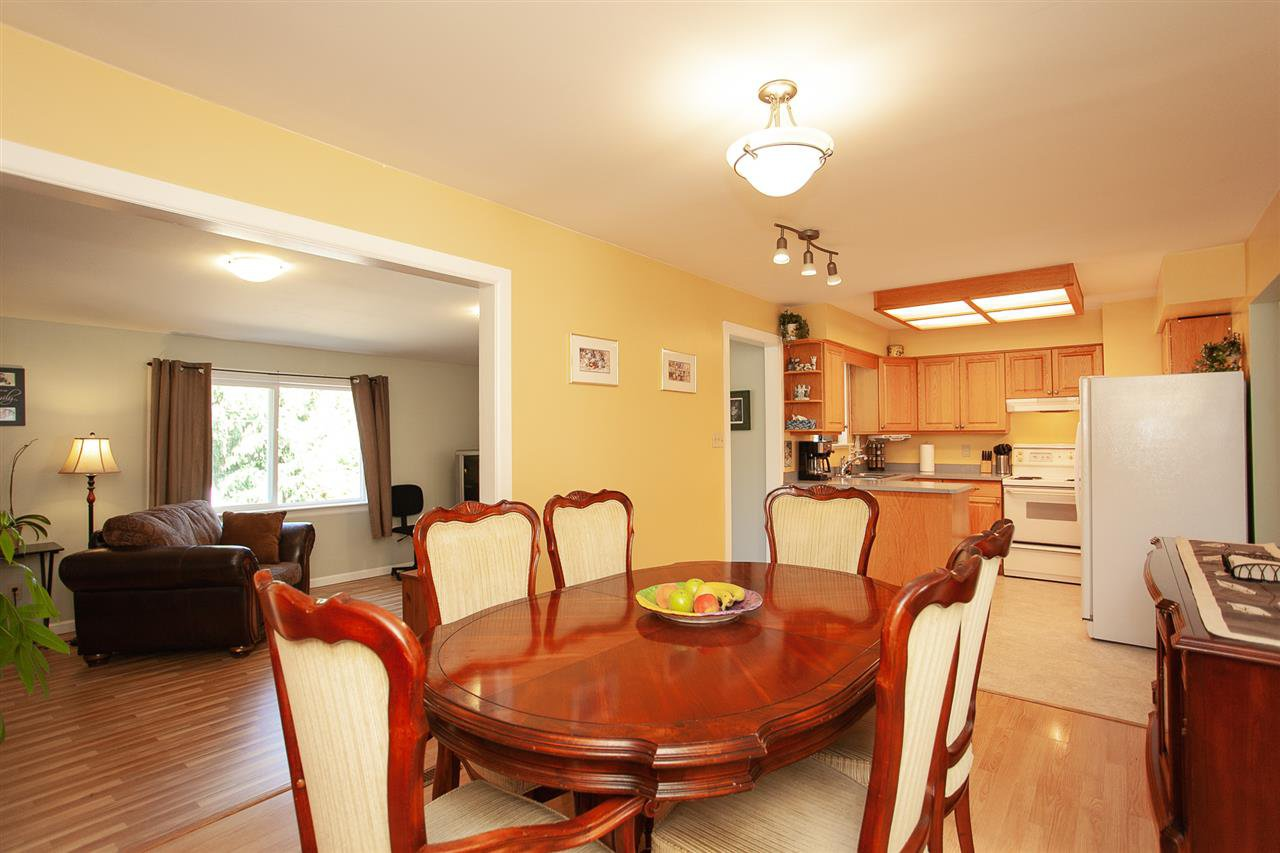 Photo 7: Photos: 13893 77A Avenue in Surrey: East Newton House for sale : MLS®# R2303426