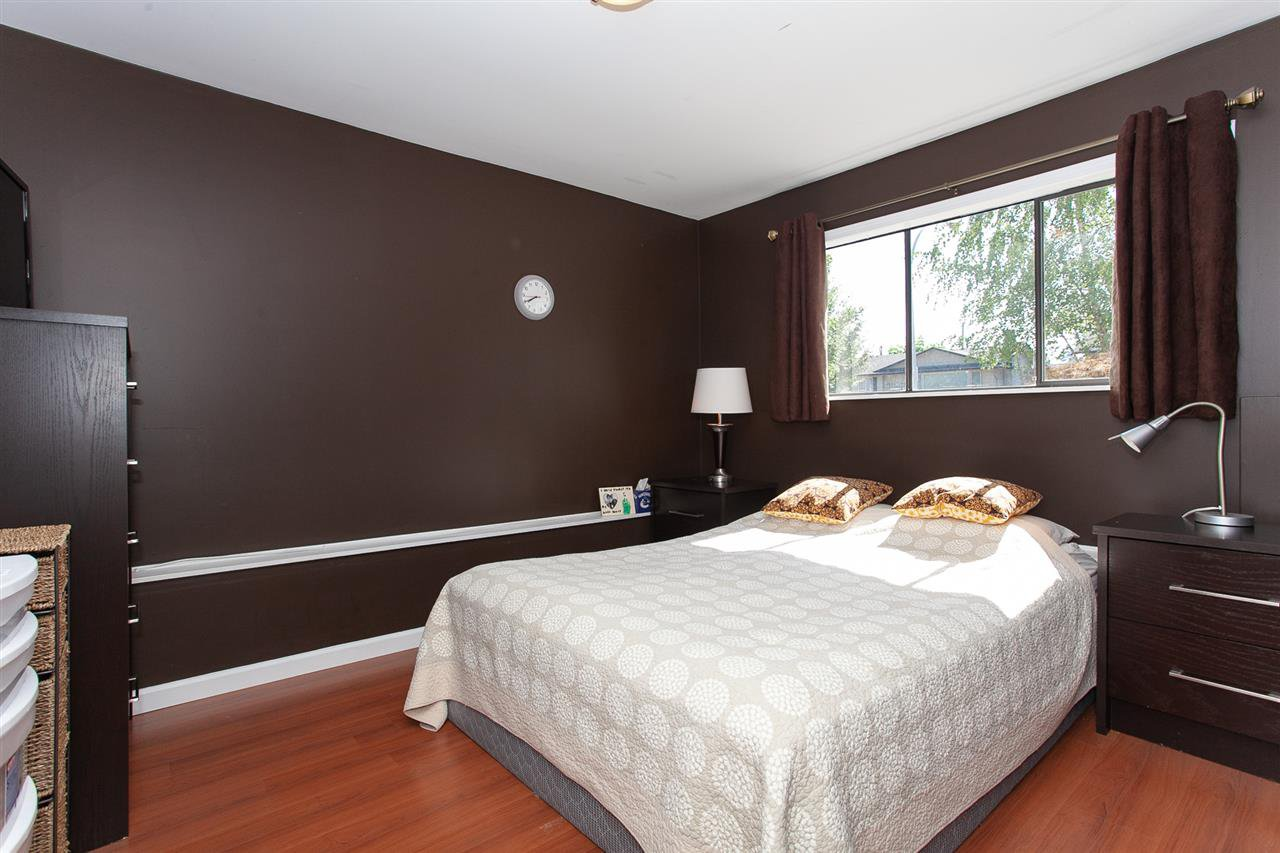 Photo 13: Photos: 13893 77A Avenue in Surrey: East Newton House for sale : MLS®# R2303426