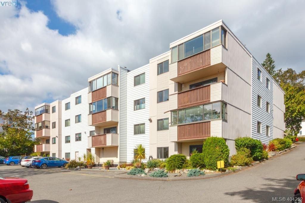 Main Photo: 101 614 Fernhill Pl in VICTORIA: Es Rockheights Condo Apartment for sale (Esquimalt)  : MLS®# 803205