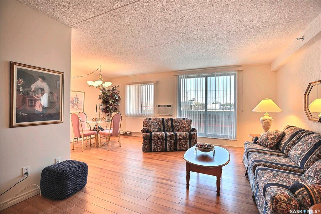 Main Photo: 317 4045 Rae Street in Regina: Parliament Place Residential for sale : MLS®# SK757587