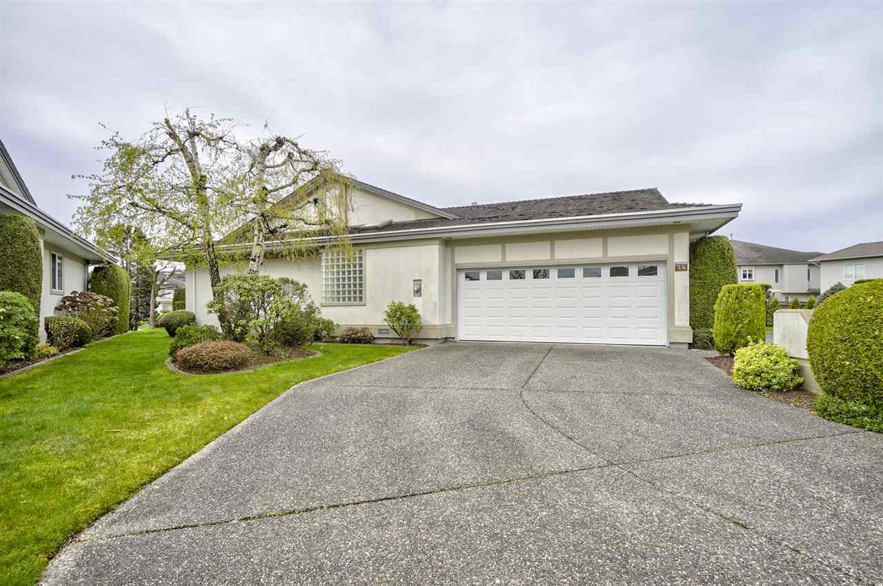 "Main Photo: 38 31445 RIDGEVIEW Drive in Abbotsford: Abbotsford West Townhouse for sale in ""Panorama Ridge Estates"" : MLS®# R2356347"