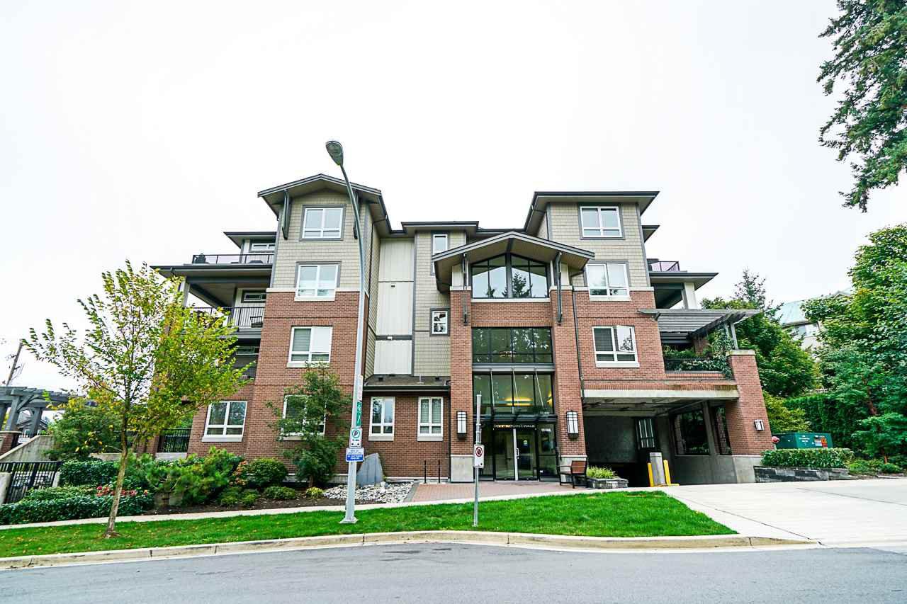 Main Photo: 303 15188 29A Avenue in Surrey: King George Corridor Condo for sale (South Surrey White Rock)  : MLS®# R2411297