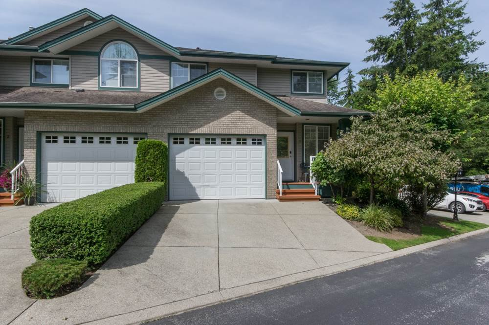 "Main Photo: 1 11358 COTTONWOOD Drive in Maple Ridge: Cottonwood MR Townhouse for sale in ""CARRIAGE LANE"" : MLS®# R2478664"