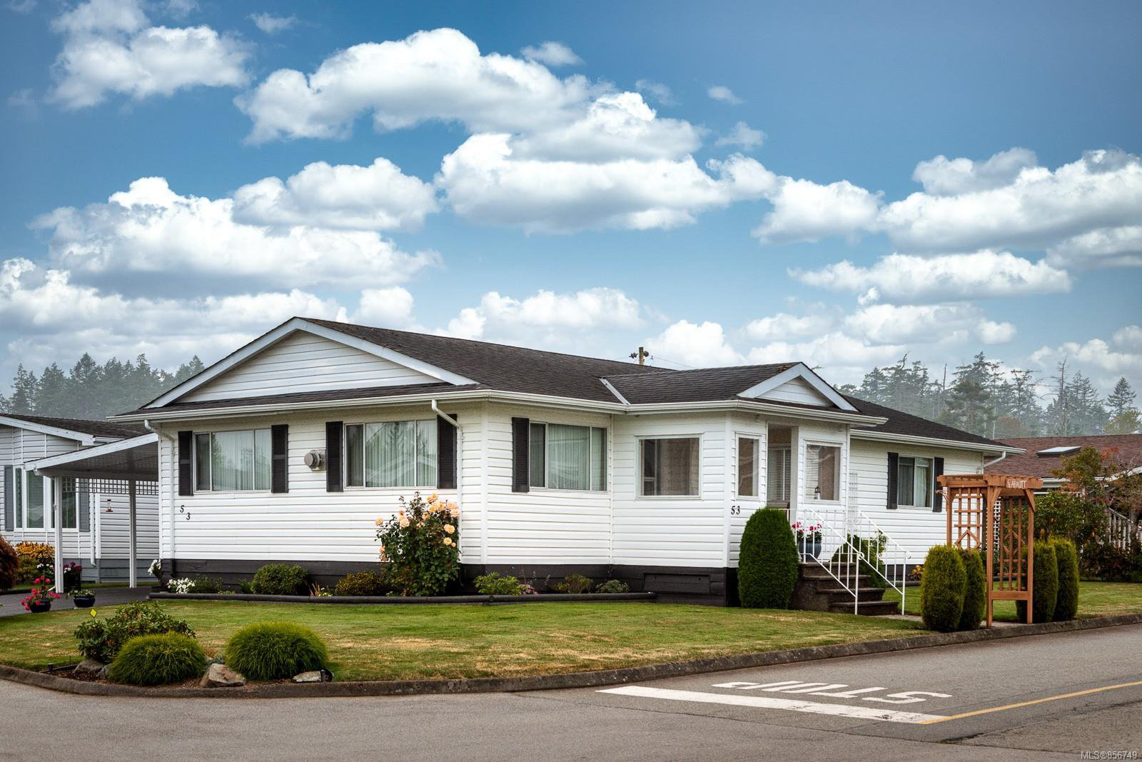 Main Photo: 53 7701 Central Saanich Rd in : CS Hawthorne Manufactured Home for sale (Central Saanich)  : MLS®# 856749
