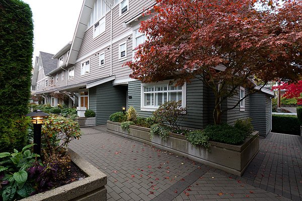 Photo 2: Photos: 5466 LARCH Street in Vancouver: Kerrisdale Townhouse for sale (Vancouver West)  : MLS®# V918064