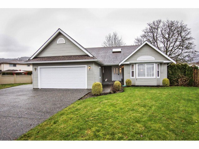 Main Photo: 1650 CANTERBURY Drive: Agassiz House for sale : MLS®# H1400213