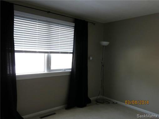 Photo 12: Photos: 1620 Rylston Road in Saskatoon: Mount Royal Single Family Dwelling for sale (Saskatoon Area 04)  : MLS®# 489545