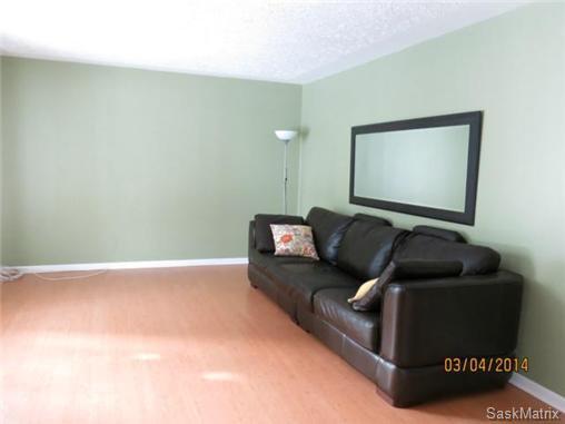 Photo 3: Photos: 1620 Rylston Road in Saskatoon: Mount Royal Single Family Dwelling for sale (Saskatoon Area 04)  : MLS®# 489545