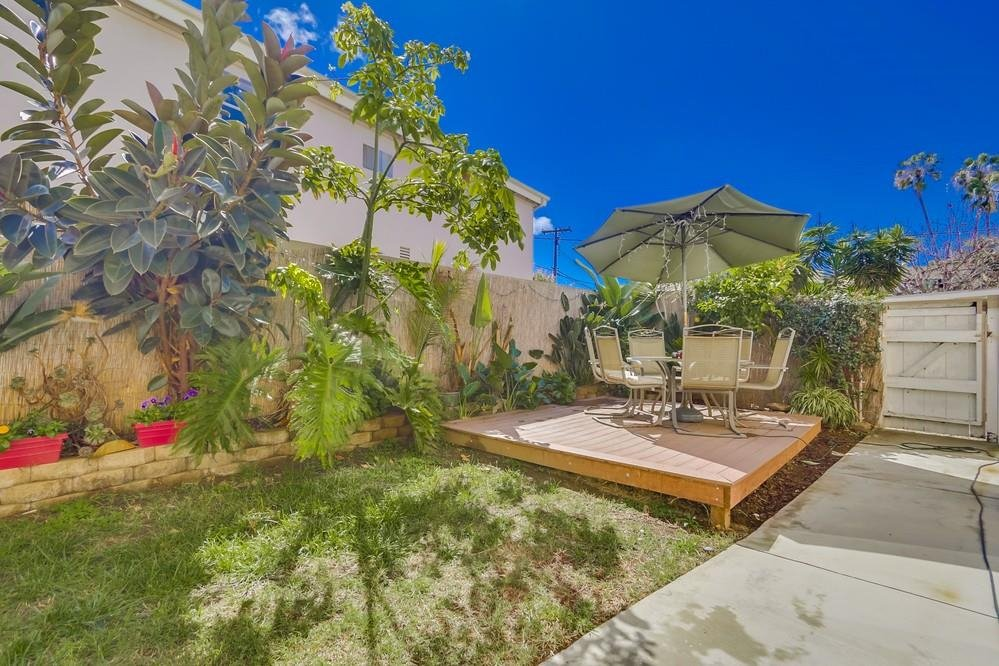 Main Photo: POINT LOMA Condo for sale : 3 bedrooms : 3043 Barnard #2 in San Diego