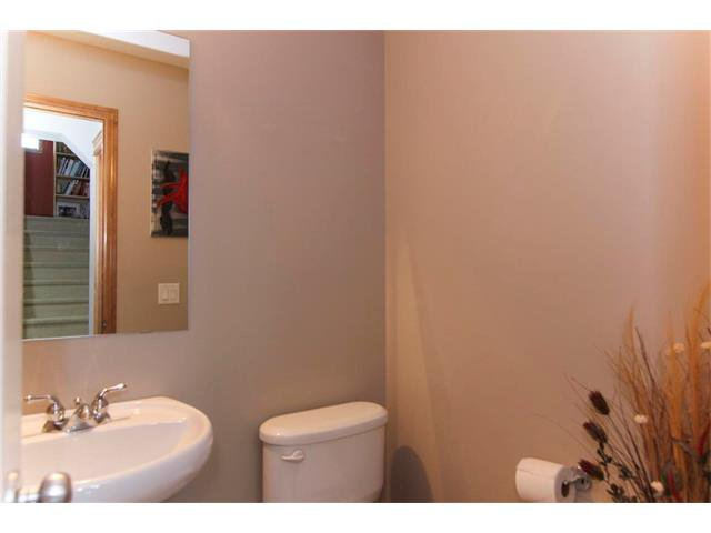 Photo 3: Photos: 390 ELGIN Way SE in Calgary: McKenzie Towne House for sale : MLS®# C4019083