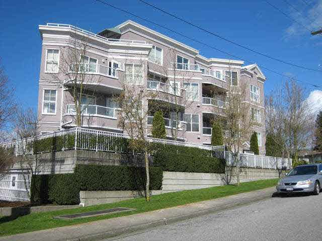Main Photo: 203 245 ST. DAVIDS AVENUE in : Lower Lonsdale Condo for sale : MLS®# V897618