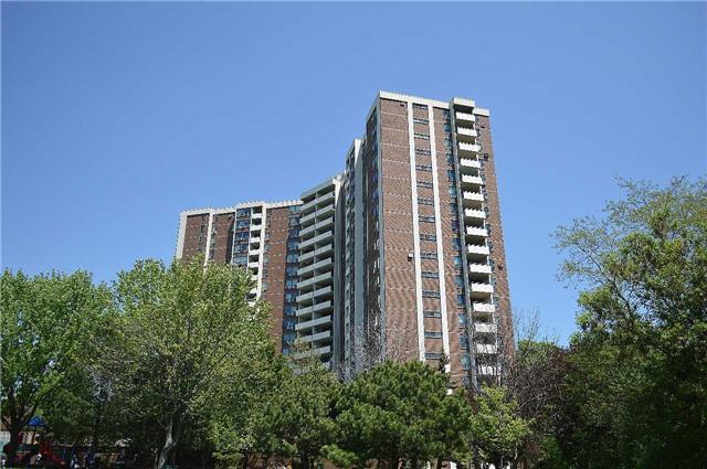 Main Photo: 609 15 Vicora Linkway Way in Toronto: Flemingdon Park Condo for sale (Toronto C11)  : MLS®# C3503897