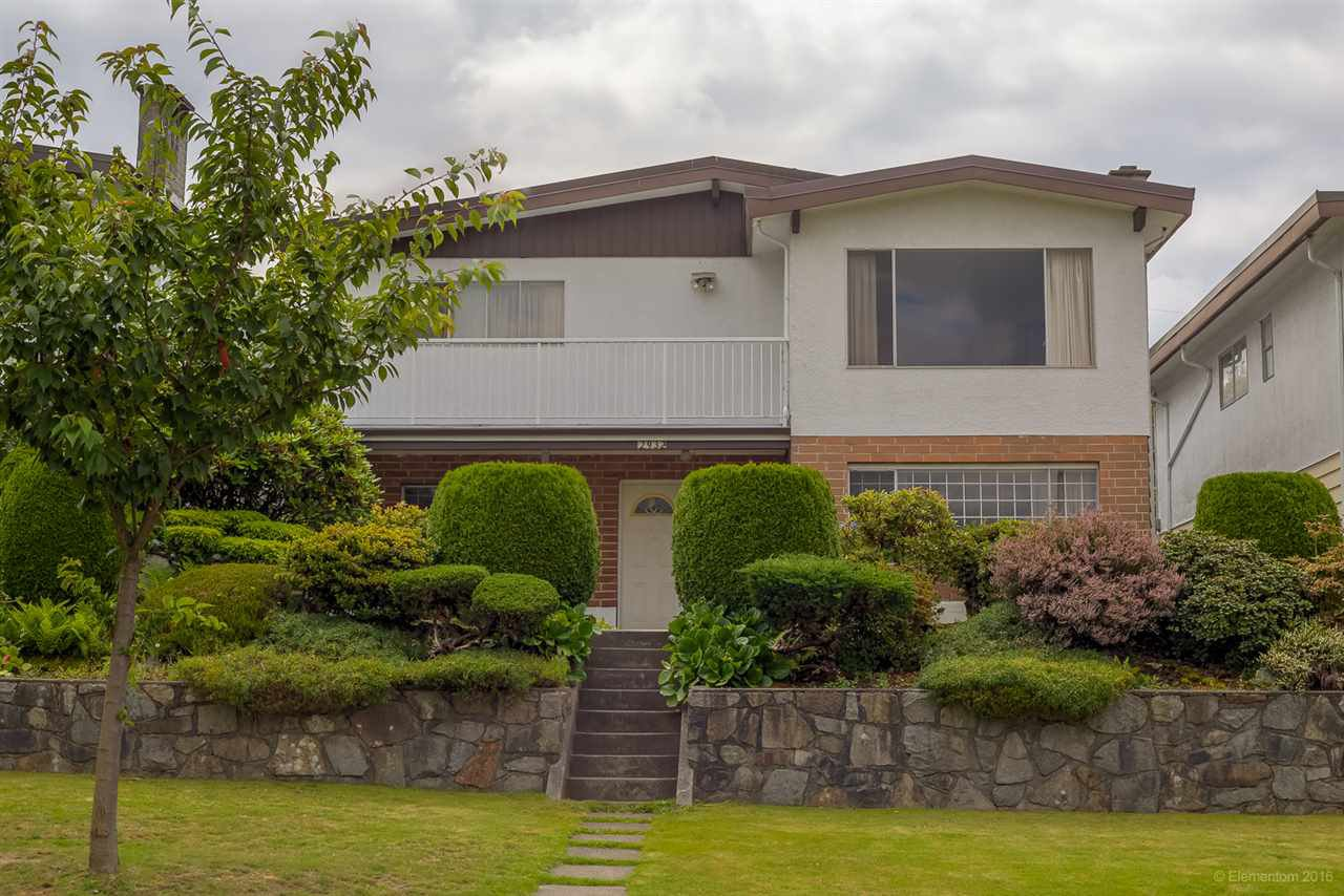 "Main Photo: 2932 E 15TH Avenue in Vancouver: Renfrew Heights House for sale in ""RENFREW HEIGHTS"" (Vancouver East)  : MLS®# R2092328"